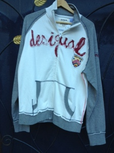 sweatshirt.with.Barcelona.crest.on.front