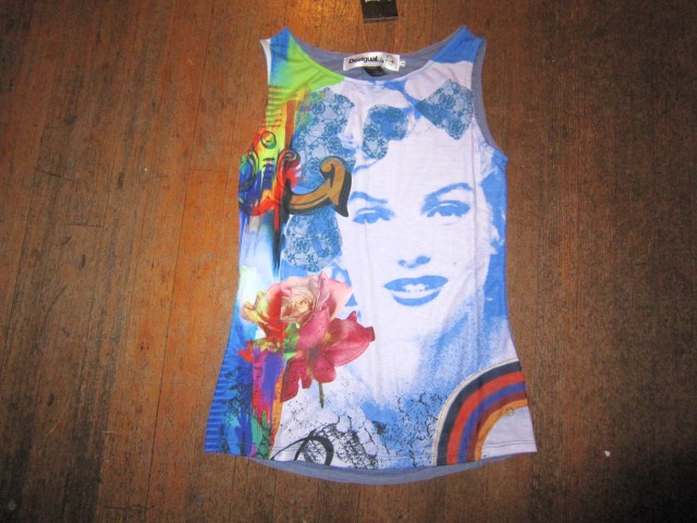 Marilyn.top.by.Lacroix.4.Desigual