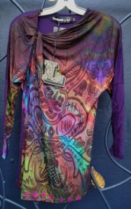 This Desigual long T-shirt, Seisnueve, is new to Angel Vancouver (angelvancouver.com). The price is $109. We ship worldwide.