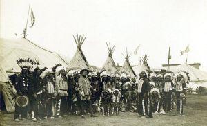 Buffalo.Bills.Wild.West.Show.1890.indians.with.headress.jpg