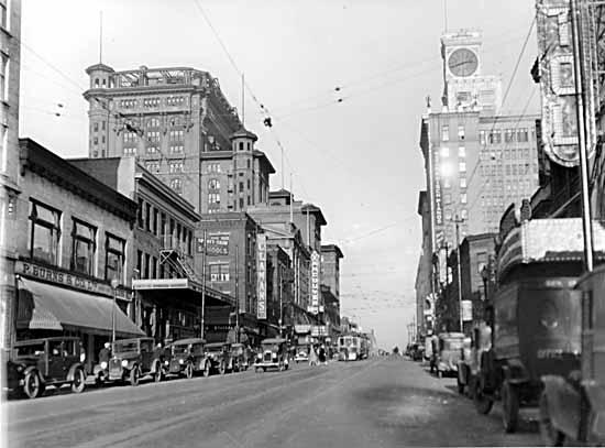 Granville.and.Robson.1927.VPL8686
