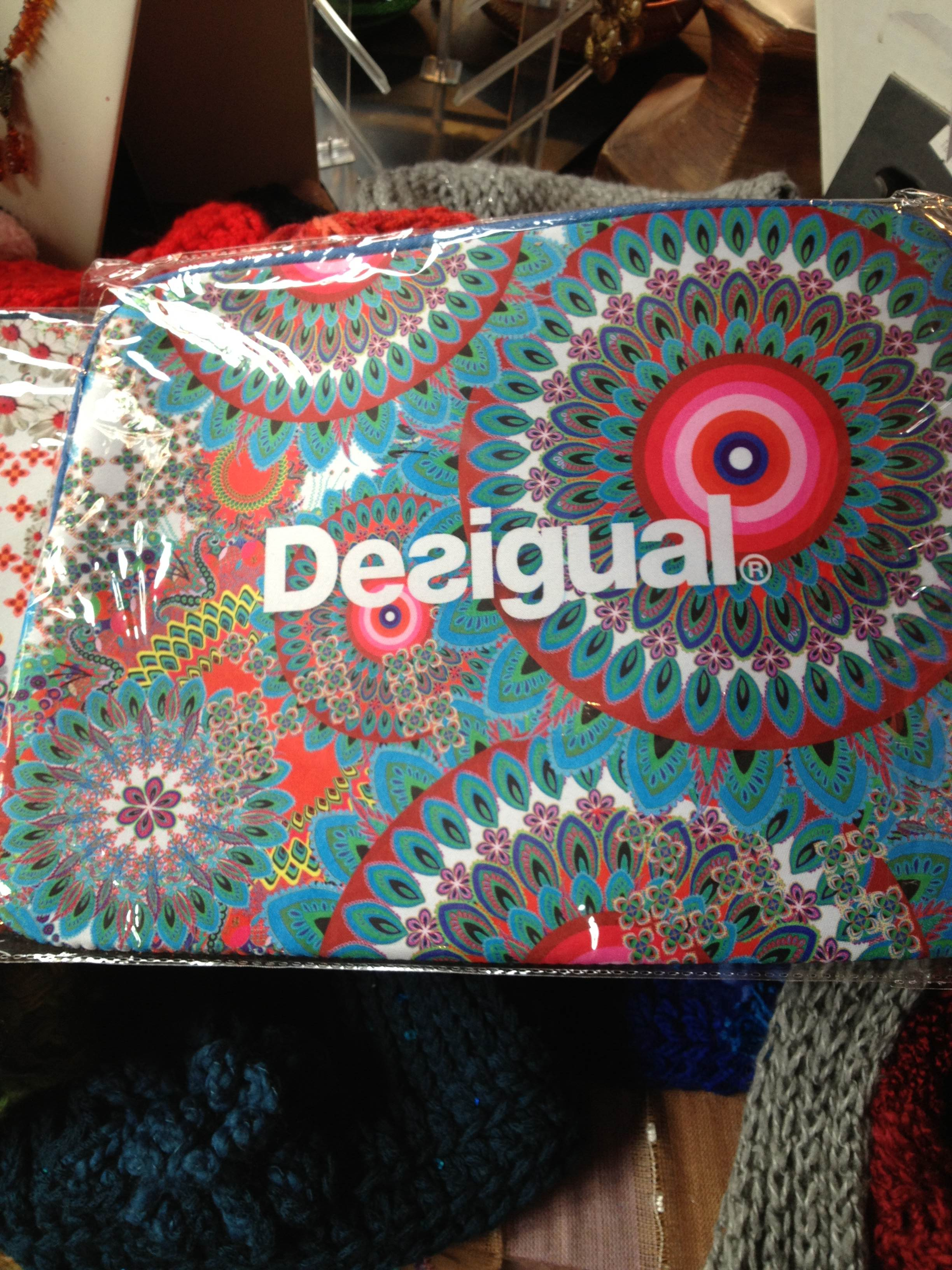 Free Desigual Mini Speakers For Iphone With 200 Purchase