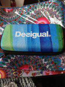 Desigual.iPhone.speakers