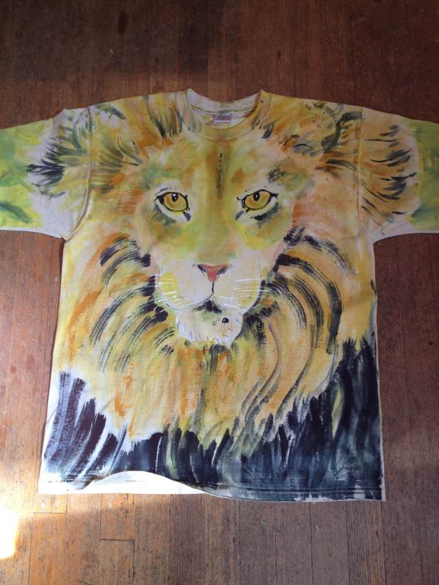 Angel.lion.shirt.June.2013