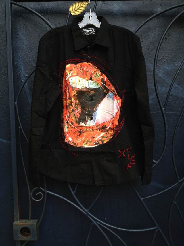 Desigual.Black.shirt.with.Lips.Kama.Sutra