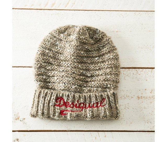 Desigual BASIO knited hat. $45.95.
