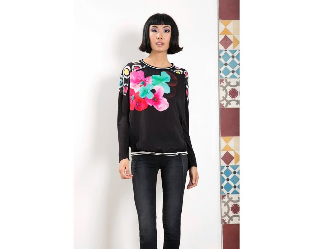 Desigual OSEA t-shirt by Christian Lacroix. $110. Fall-Winter 2015,