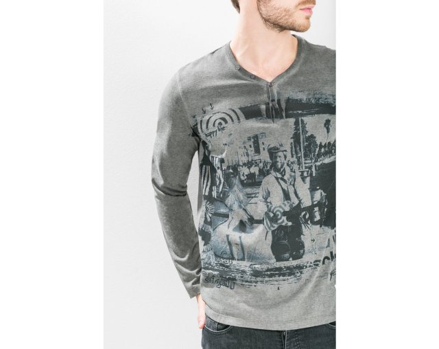 Desigual VENICE T-shirt. $90. Fall-Winter 2015.