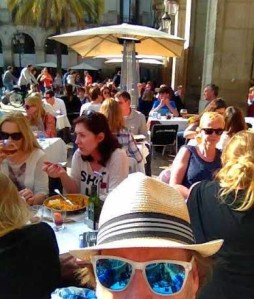 Barcelona.Day2.lunch.in.square