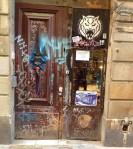 Barcelona.door.graffiti.2.2014