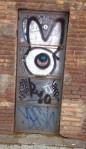 Barcelona.zoo.door.graffiti.april.2014