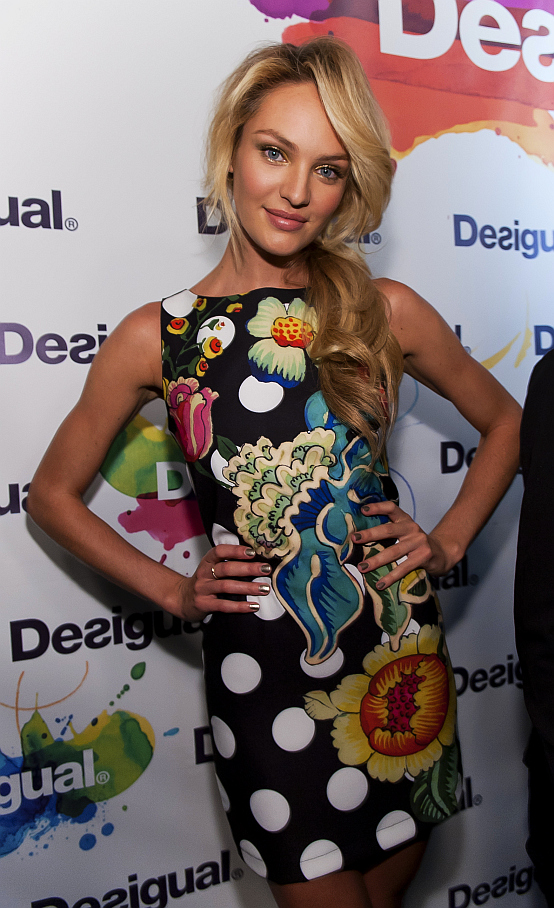 Candice-Swanepoel-at-Desigual-photocall
