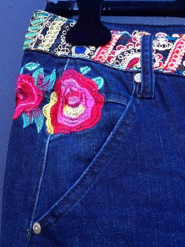 Pocket detail of Desigual DENIM BROKE DELUXE jeans. $175. Fall-Winter 2015.