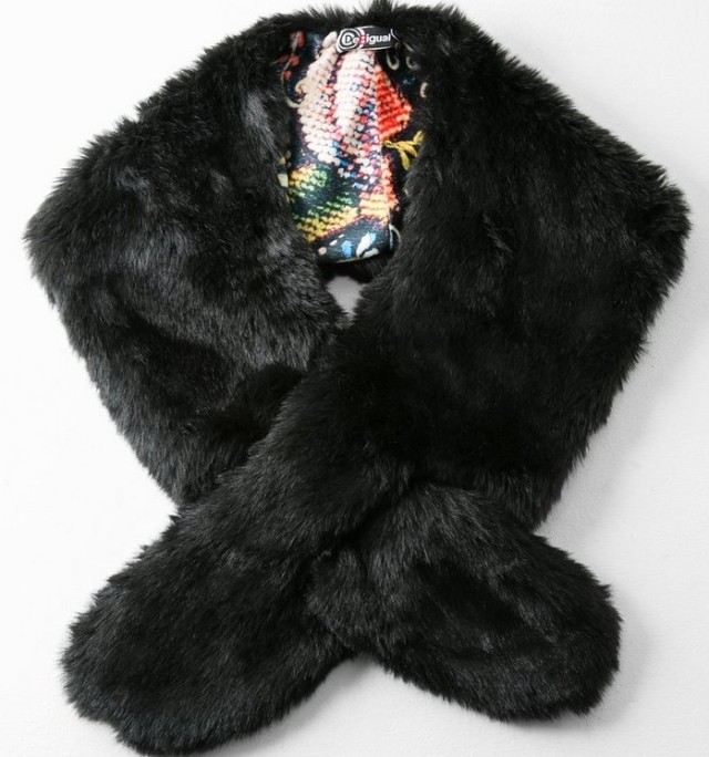 Desigual SCARF LACARNIANO. Premium faux fur. Made in Italy. $109. Fall-Winter 2015.