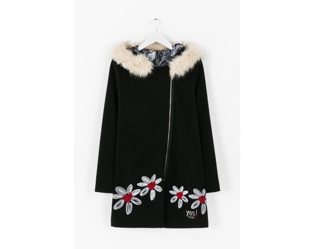 Desigual COAT 6 with faux-fur trim around hood. $279. Fall-Winter 2015. Size 36 & 40.