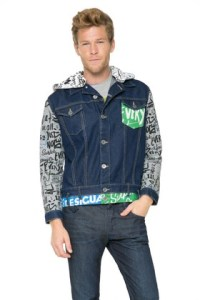 Desigual Cazadora jacket for men. Denim with hoodie and graffiti-print cotton sleeves. Spring-Summer 2016 collection.