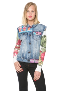 Desigual Ethnic jean jacket for Spring-Summer 2016. Angel still has the winter version in stock, which has dark blue sleeves.