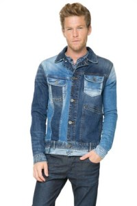Desigual jean jacket for men. Spring-Summer 2016. A mix of old and new denim.