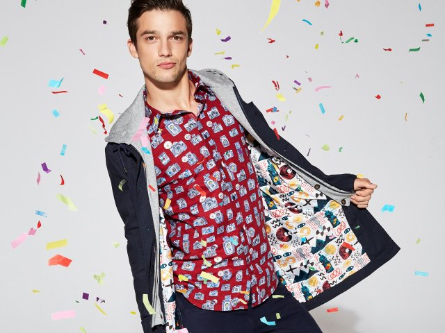 Perfect for photographers: The Desigual CAMARAS shirt. $105.95. Spring-Summer 2016.