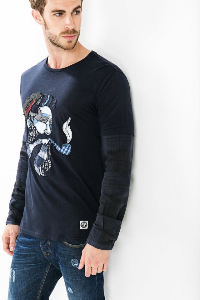 Desigual JOHN SEATRAVEL T-shirt with button cuffs. $109.95, minus 30% off. Fall-Winter 2015.