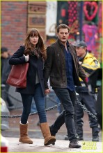 jamie-dornan-dakota-johnson-hold-hands-07