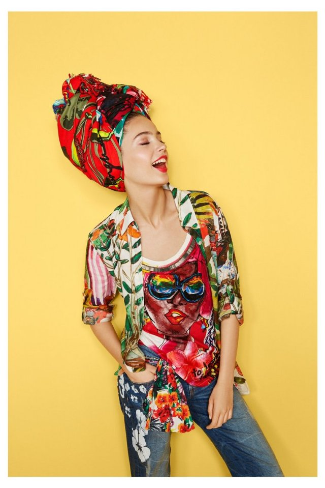 Desigual.Hielo.T-shirt.with.head.scarf.SS2016.61T24C9_1020