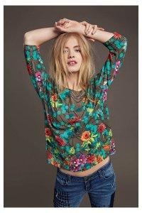 desigual-falling-flowers-sweater-fw2016-67j21p9_4009