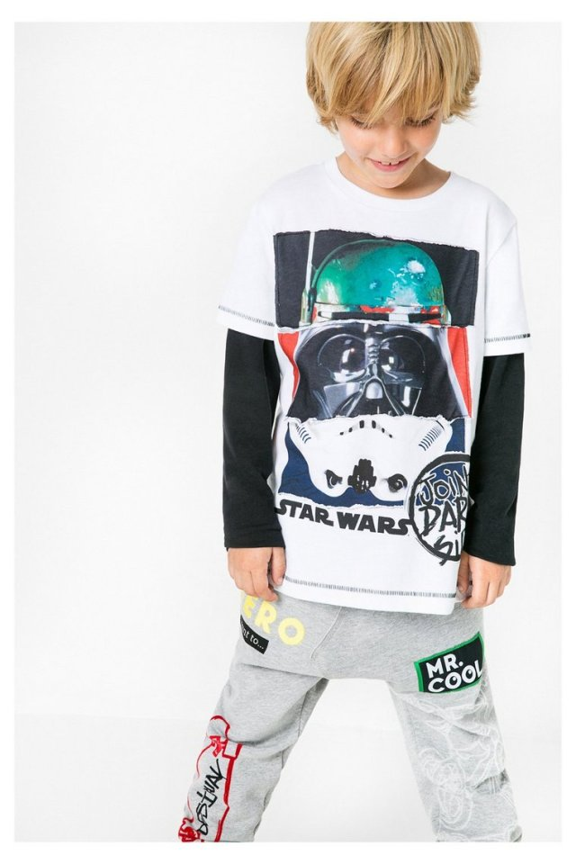 Desigual.TOM.Star.Wars.Tshirt.FW21016.67T3DF2_1000
