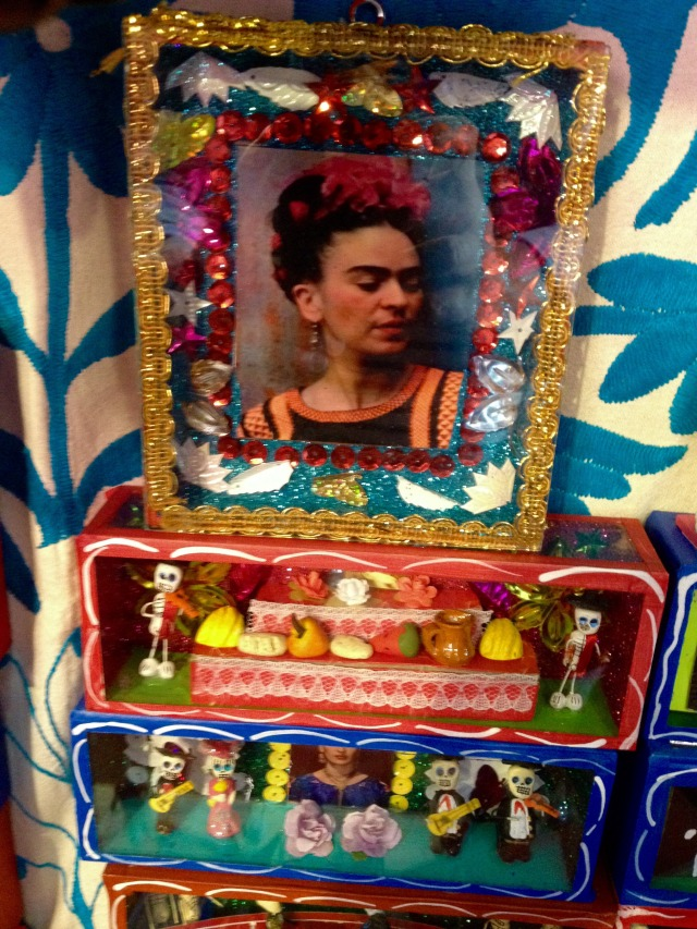 san-miguel-dayofthedead-display-frida