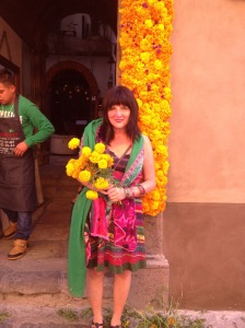 san-miguel-dayofthedead-jackie-with-flowered-doorway