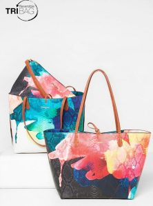 Desigual Shopper Capri Aquarelle bag. It has a second bag inside. The entire bag is reversible, so it's like having three bags in one.