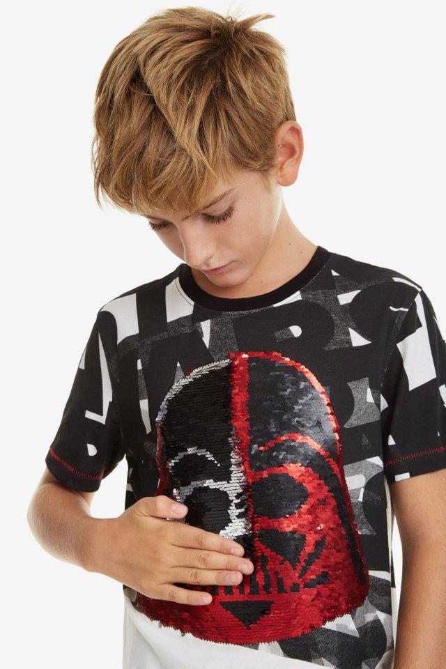 4fa6e9e80d1 Desigual DARTH STAR WARS T-shirt. Reversible sequins, 100% cotton. $59.95.  SS2019.