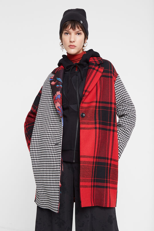 Desigual LONDRES LONDON patch coat with removable hoodie now on sale 40% off Spring-Summer 2020 collection.